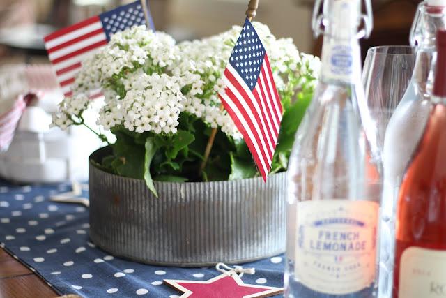 maison-de-cinq-patriotic-tablescape-4