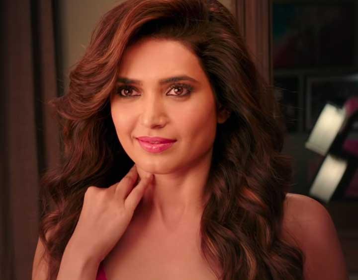 Karishma Tanna Hot, Karishma Tann in Sanju, Karishma Tanna Sexy