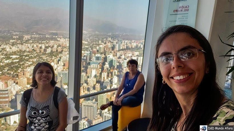 Nós três lá Sky Costanera em Santiago no Chile
