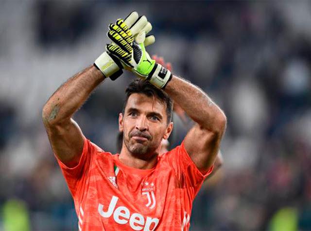 FÚTBOL: Buffon empató a Maldini como jugador con más partidos en Serie A.