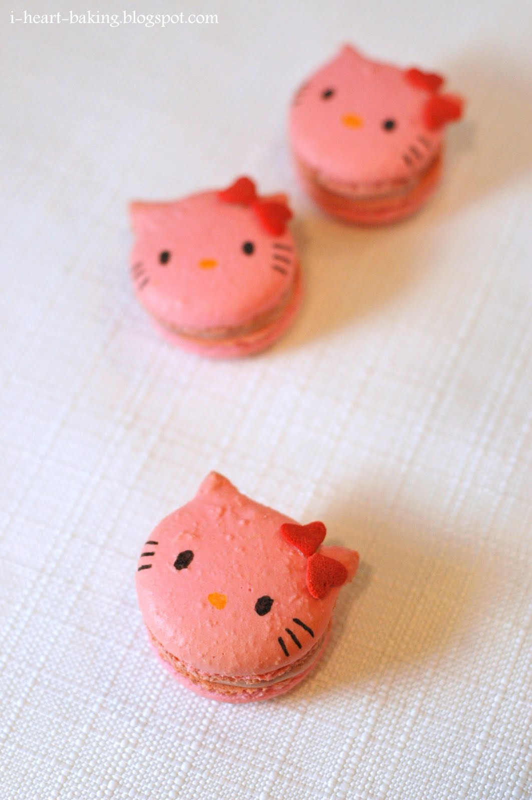 Hello Kitty Tarot Deck: I Heart Baking!: Rhubarb Hello Kitty Macarons