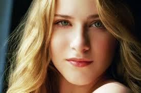 كيف يرى الرجل المراة الجميلة؟