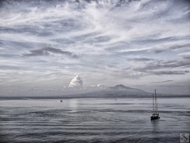 Fotografia del Golfo di Napoli e del Vesuvio