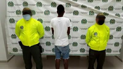 Detienen a un adolescente por presunta participación en homicidio de un agente de la Policía