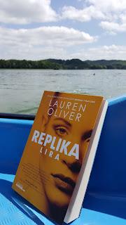 """""""REPLIKA"""" Lauren Oliver"""
