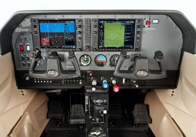 Cessna Skylane cockpit