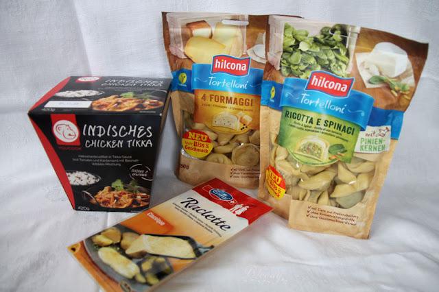 Unboxing brandnooz Cool Box Oktober 2016 - herzhafte Lebensmittel (hilcona Tortelloni, Emmi Raclette, YouCook Indisches Chicken Tikka)