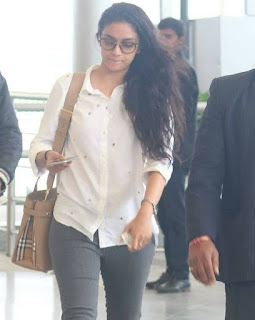Keerthy Suresh in White Dress with Cute and Awesome Lovely Smile at Hyderabad Airport 5