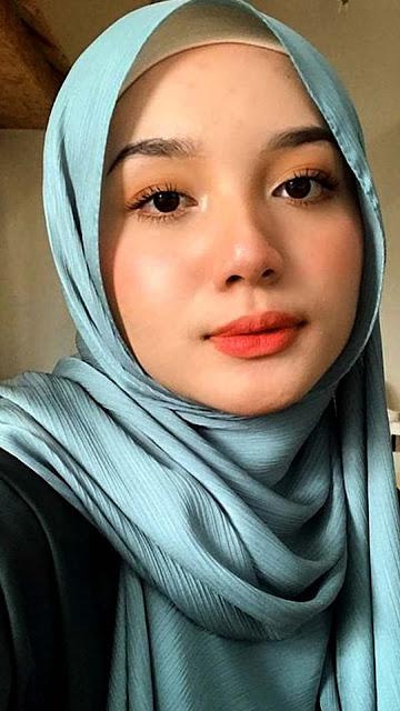 19 Prettiest Girl With Hijabs Wallpaper HD 5K 4K for Android and iPhone | Wallpaper Foto Cewek Cantik Berhijab