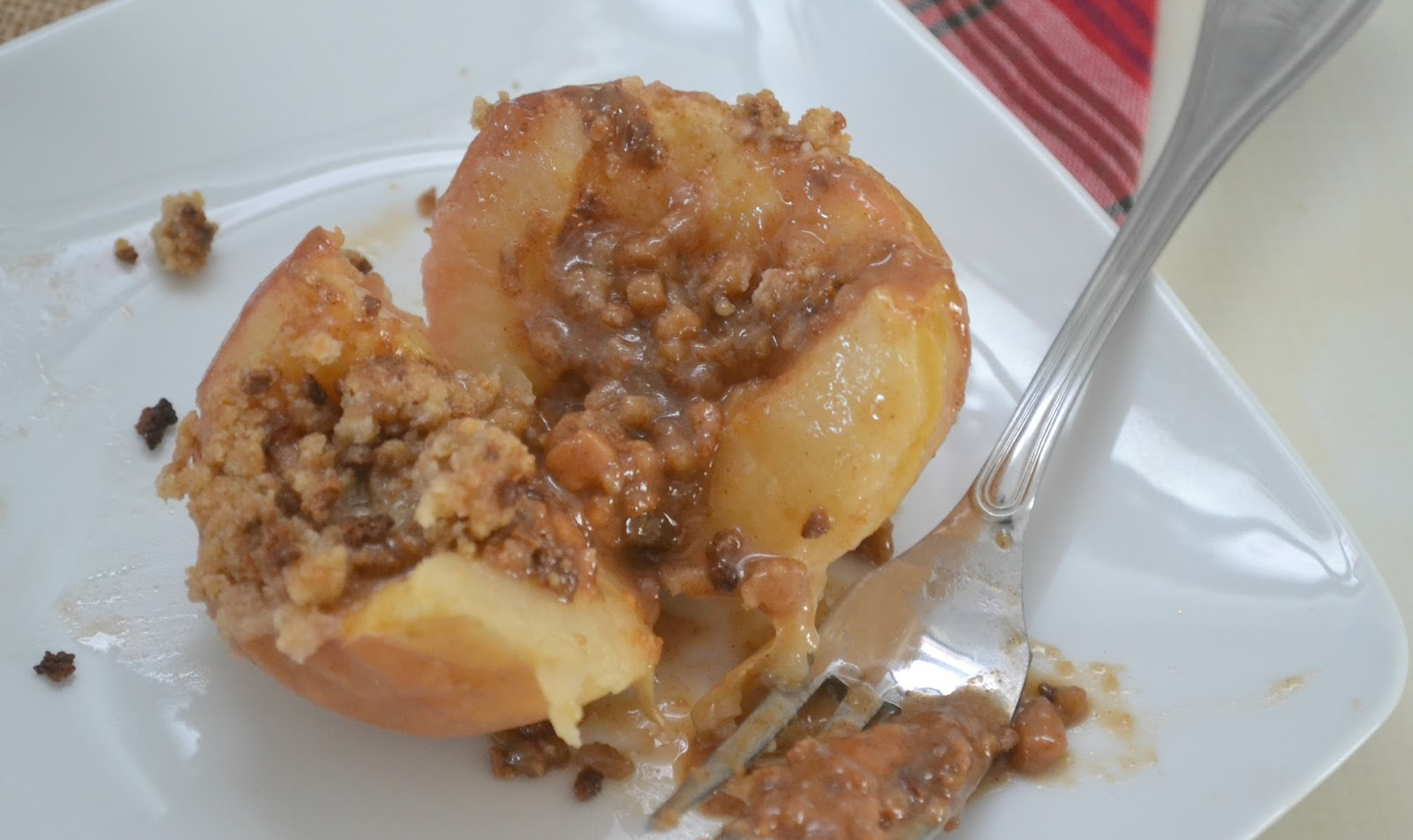 , creative apple desserts, Baked Apples, Baked Caramel Crumble Apples ...