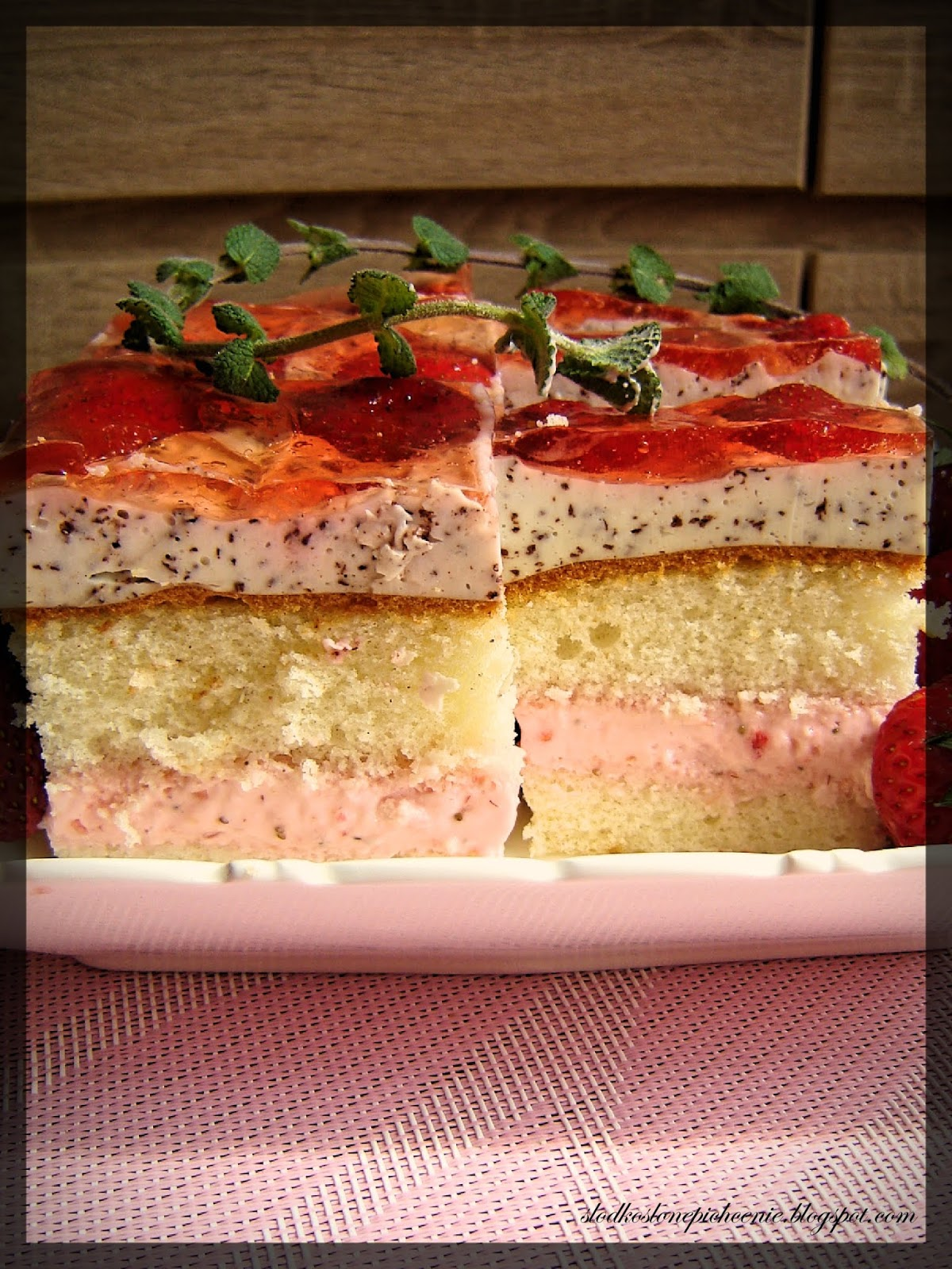 Ciasto straciatella z truskawkami