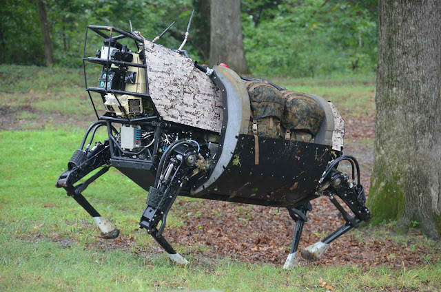 Outro robô da Boston Dynamics, empresa da Google: a complexidade denuncia a limitação.