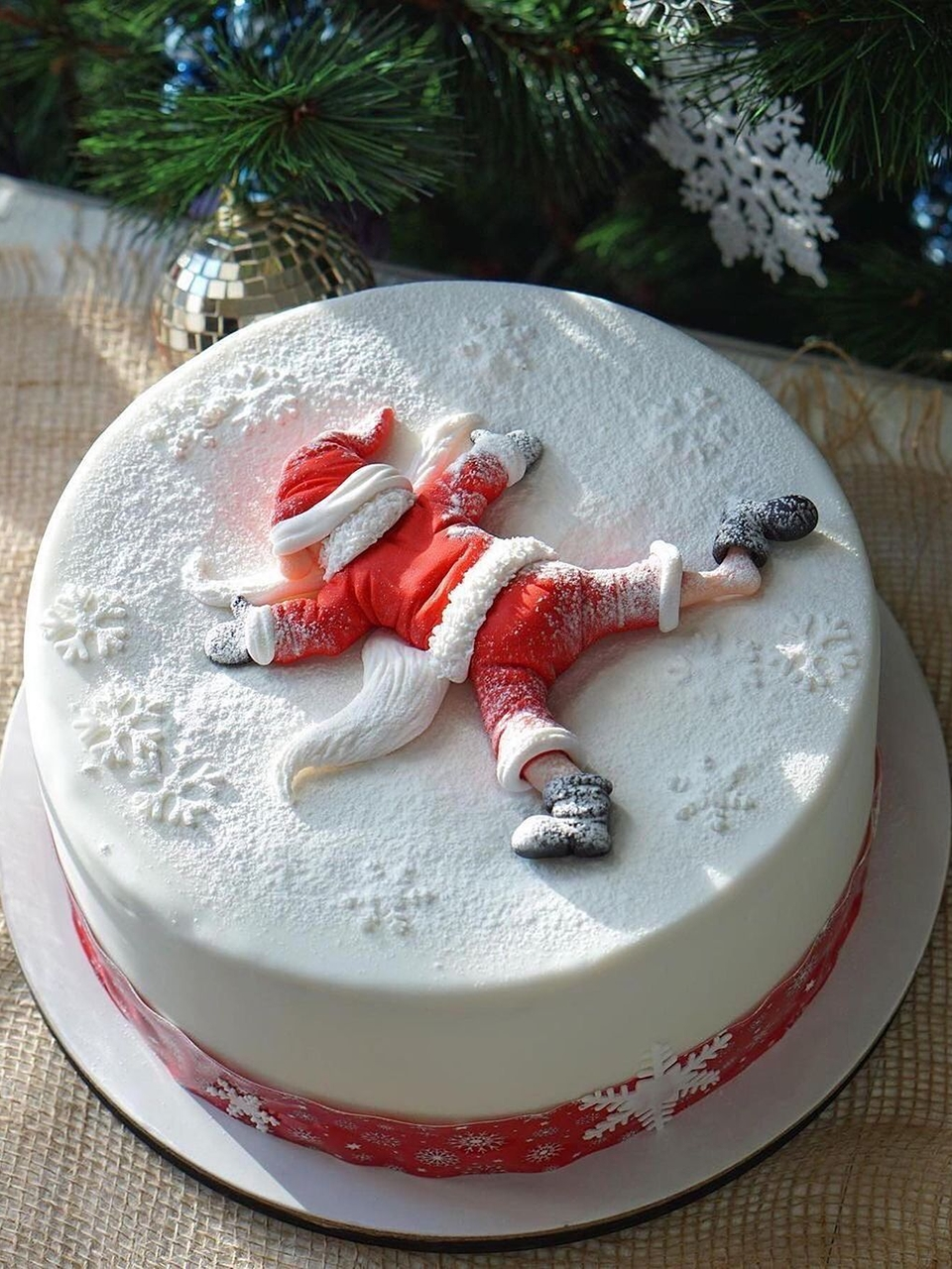 Snowflakes Santa clause Christmas cake.
