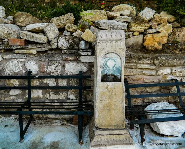 Marco religioso em uma esquina do Thisio, em Atenas
