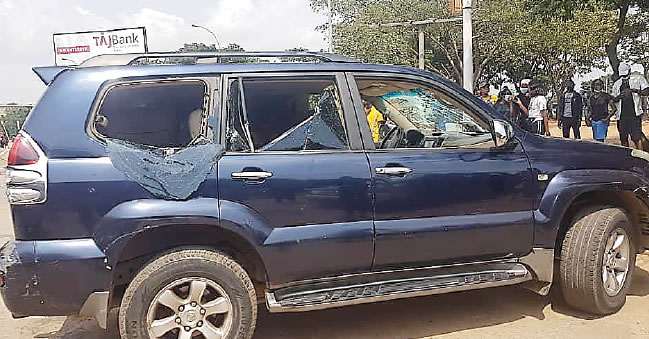 Nigerian Lawyer Reveals How Abuja Thugs Were Paid N1,500 To Attack And Damage Cars During Protests #Arewapublisize