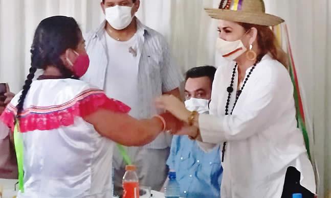A nombre del Estado, la presidenta Áñez pide disculpas a los indígenas agredidos en Chaparina