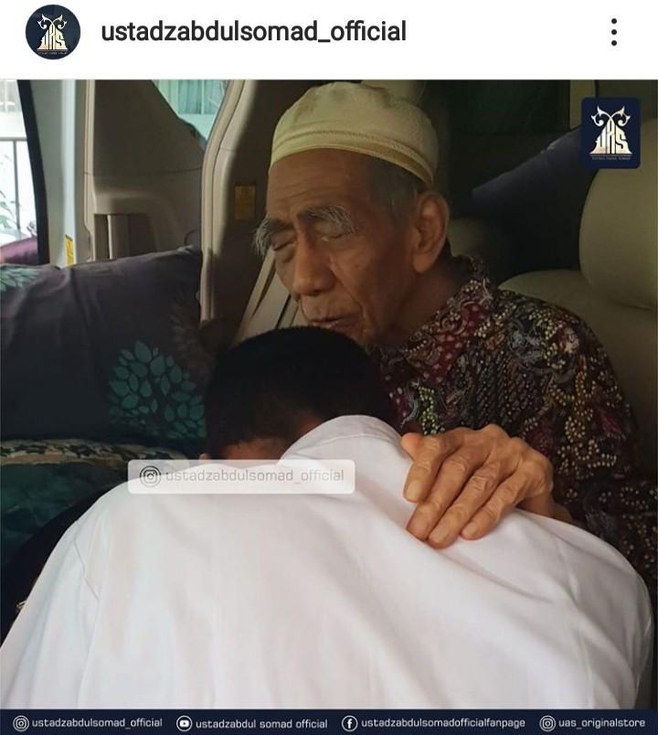 Mbah Moen Wafat, Unggahan Ustadz Abdul Somad Terbaik