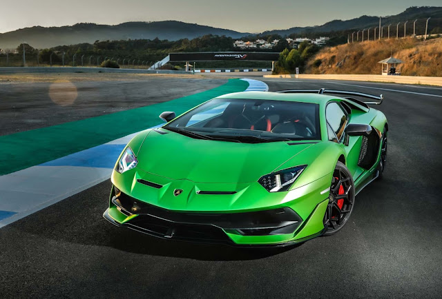 Lamborghini Aventador 2020 Full Review | Pictures, Price and Experience