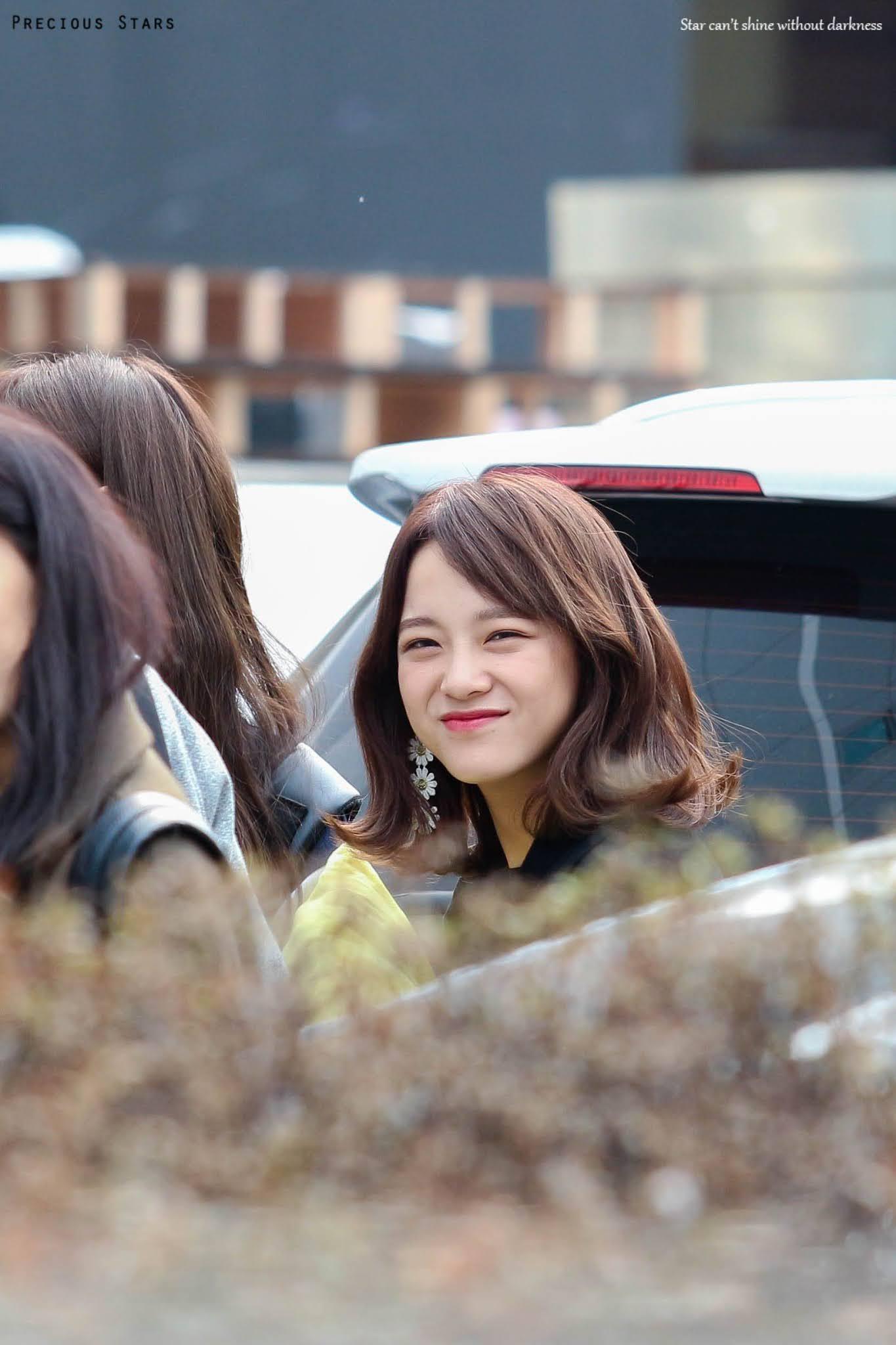170312 gugudan - SBS 'Inkigayo' Commute - 5p