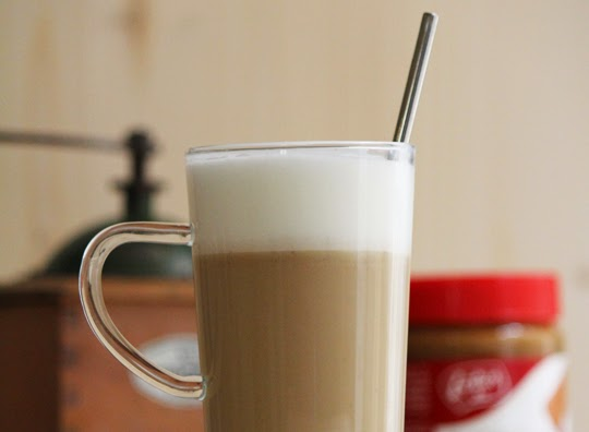 homemade speculoos latte