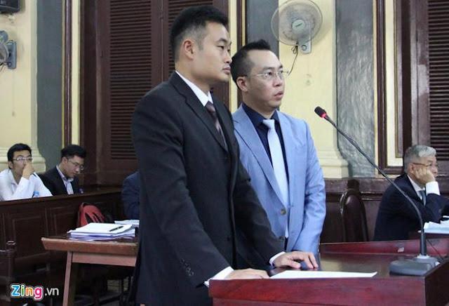 CEO của Grab (áo đen) tại tòa