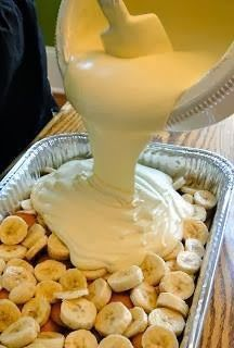 "Paula Deen's ""Not Yo' Mama's Banana Pudding"""