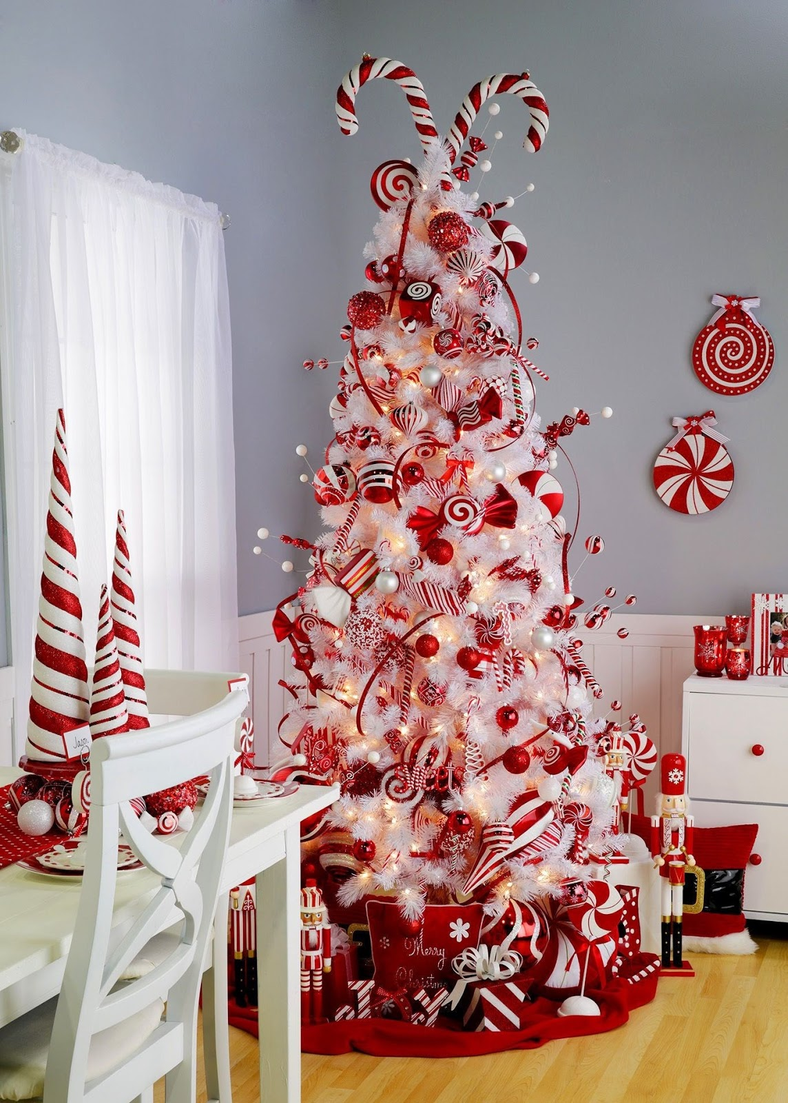 White Christmas Decoration Idea