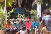 "pernyataan mosi tidak percaya terhadap keuskupan di papua dan KWI,  ""Ini isi pertanyaan."