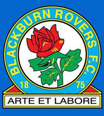 Sejarah Blackburn Rovers         Blackburn Rovers adalah salah satu klub tertua di Inggris dan juga merupakan salah satu pendiri 'Football League'. Didirikan tahun 1875 oleh alumni 'Shrewsbury School', John Lewis, untuk bertanding dibawah peraturan asosiasi sepakbola. John Lewis mengorganisir pertemuan untuk pendirian klub yang dihadiri oleh belasan orang alumni lain, terutama alumni 'Blackburn Grammar School'. 5 tahun berikutnya klub sepakbola itu telah menjadi klub sepakbola profesional.  Pada tahun 1890, The Rovers pindah ke markas mereka yang permanen, Ewood Park, setelah sebelumnya mereka tidak mempunyai kandang tetap. Blackburn adalah penguasa piala FA pada tahun 1884-1891, dalam 8 tahun itu saja mereka berhasil menjuarai turnamen sepakbola tertua itu dengan 5 kali. Sayangnya setelah itu mereka benar-benar tenggelam selama 30 tahun sebelum akhirnya mereka bisa memenangi piala FA tahun 1928. Itu adalah piala FA terakhirnya sampai sekarang.  Era Sir Jack Walker   Di kompetisi liga, Blackburn sangatlah miskin gelar, tidak ada satupun gelar juara liga mereka raih sampai tahun 1994. Mereka benar-benar tertidur selama 120 tahun, ketika pada tahun 1992 seorang Jack Walker, miliuner pengusaha baja, datang membawa segudang uang untuk 'membangunkan' Blackburn, klub kesayangannya sejak kecil. Jack Walker membeli Blackburn tahun 1992 ketika Blackburn