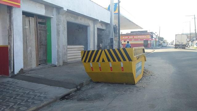 Divisão de Fiscalização da Ilha  parabeniza proprietários de imóveis, construtores e empreiteiros pelo uso de caçambas nas construções