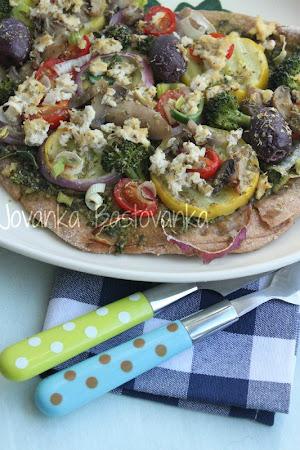 Jovanke Baštovanke pizza sa porilukom
