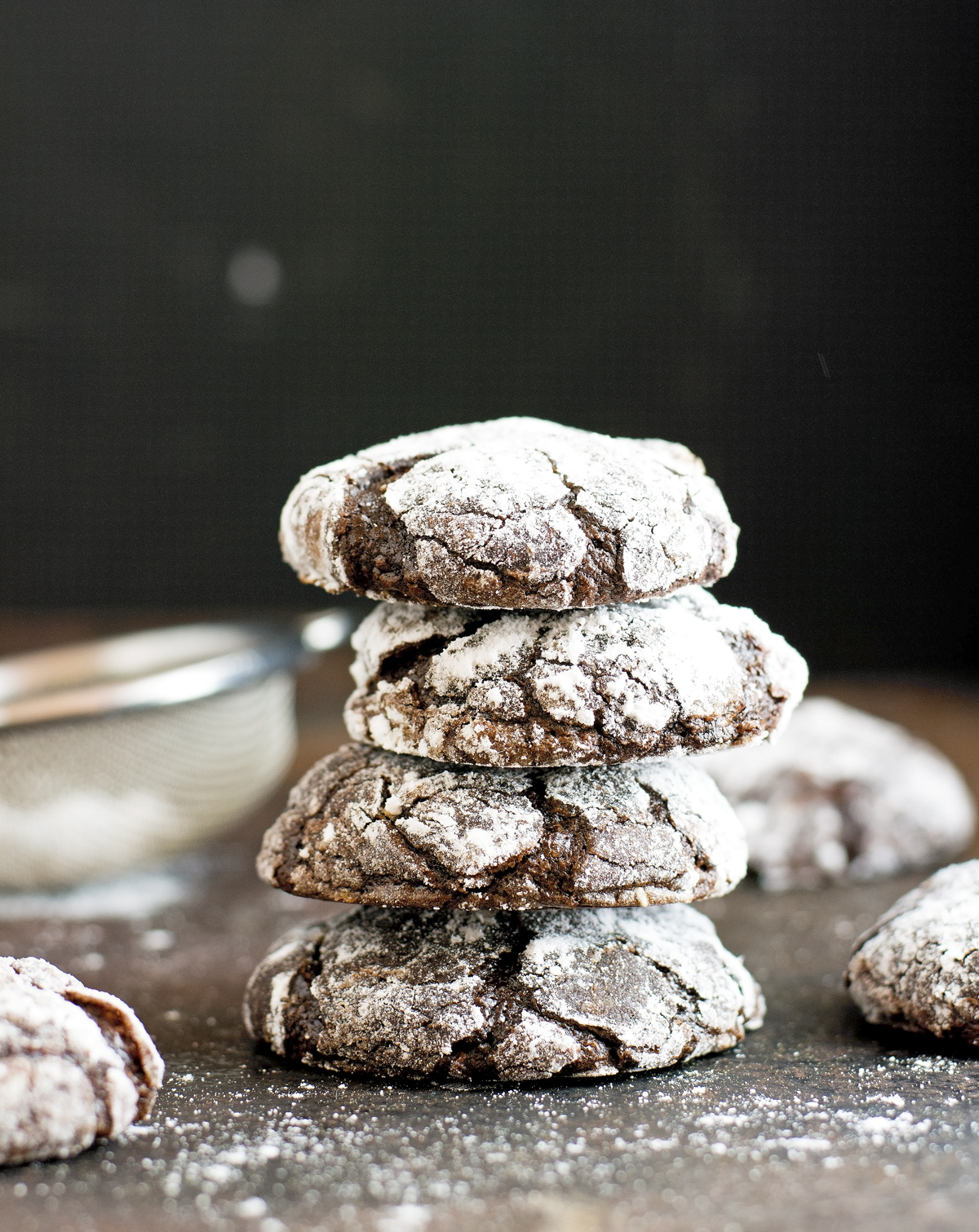 (Paleo) Chocolate Crinkle Cookies