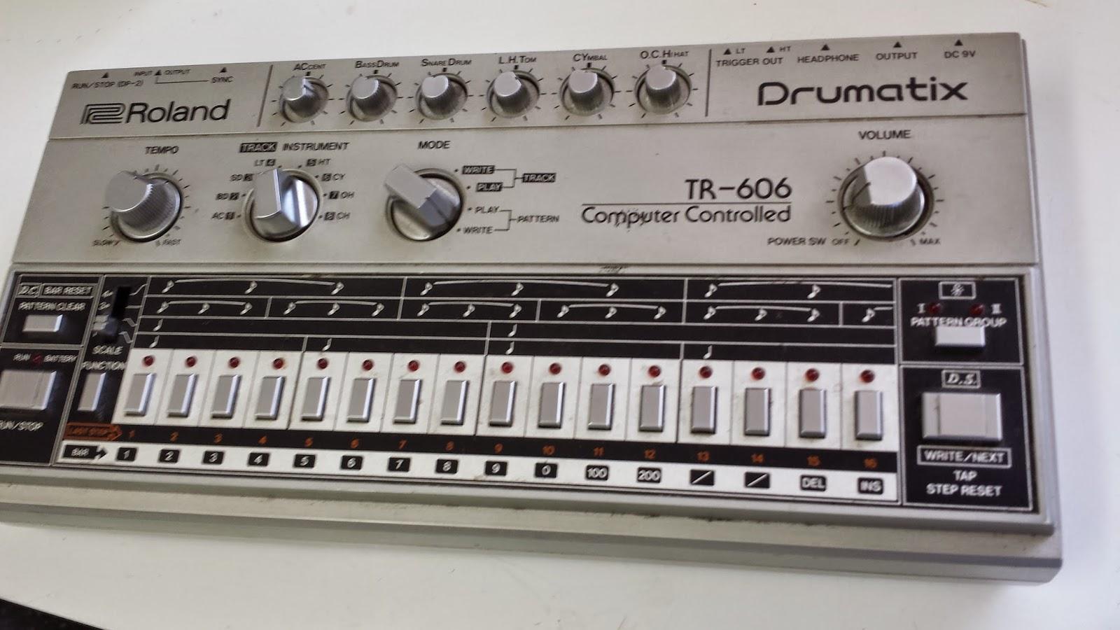 jondent exploring electronic music roland tr 606 drum machine. Black Bedroom Furniture Sets. Home Design Ideas