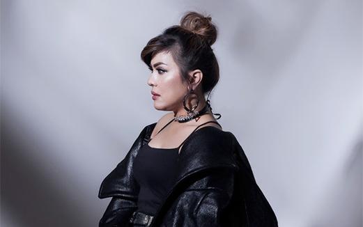Lirik Lagu Teori Cinta - Novita Dewi