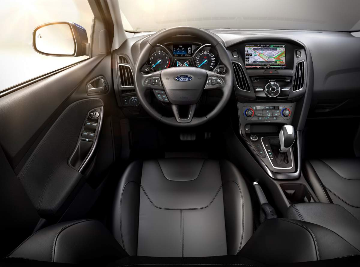Ford Focus 2017 - interior