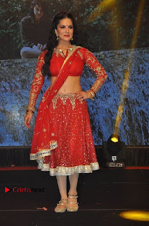 Bollywood Actress Model Sunny Leone Dance Performance in Red Half Saree at Rogue Audio Launch 13 March 2017  0109.jpg