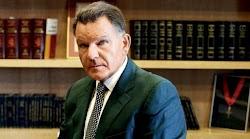 Το δικηγορικό γραφείο του Αλέξη Κούγια ανέλαβε την υπεράσπιση του Νότη Σφακιανάκη, ο οποίος συνελήφθη χθες κατά τη διάρκεια ελέγχου για να δ...
