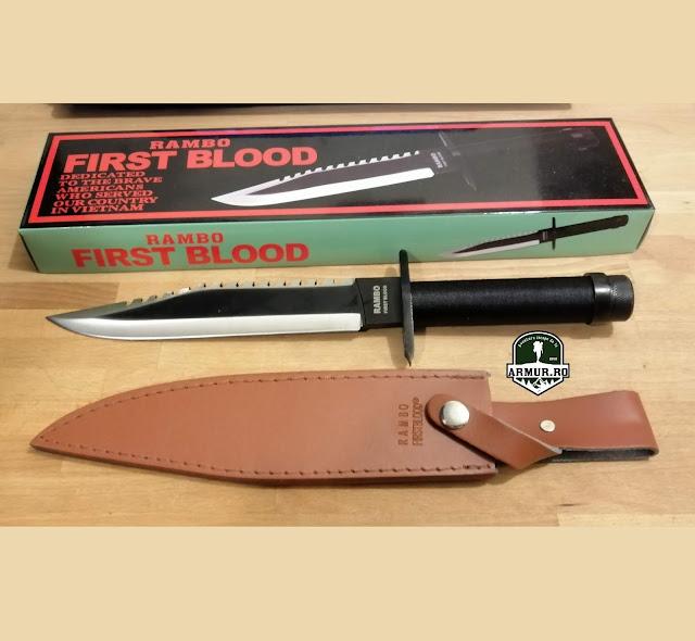 Cutit Rambo First Blood cu kit de supravietuire inclus