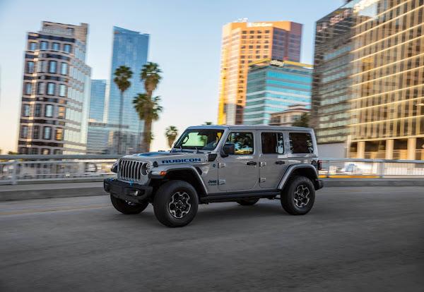 Jeep® Wrangler 4xe Híbrido Plug-in chega ao mercado - Europa