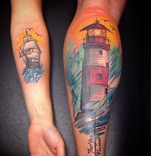 Esta brilhante esboço estilo farol de tatuagem