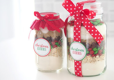 Christmas M & M Cookies in a Jar from Lisa K Creative Life