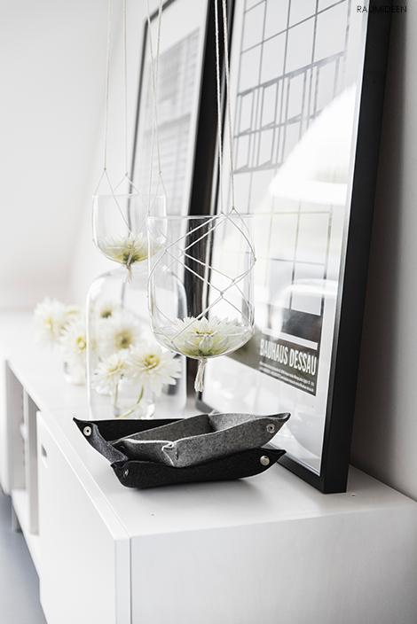 Mit Blumenampeln dekorieren