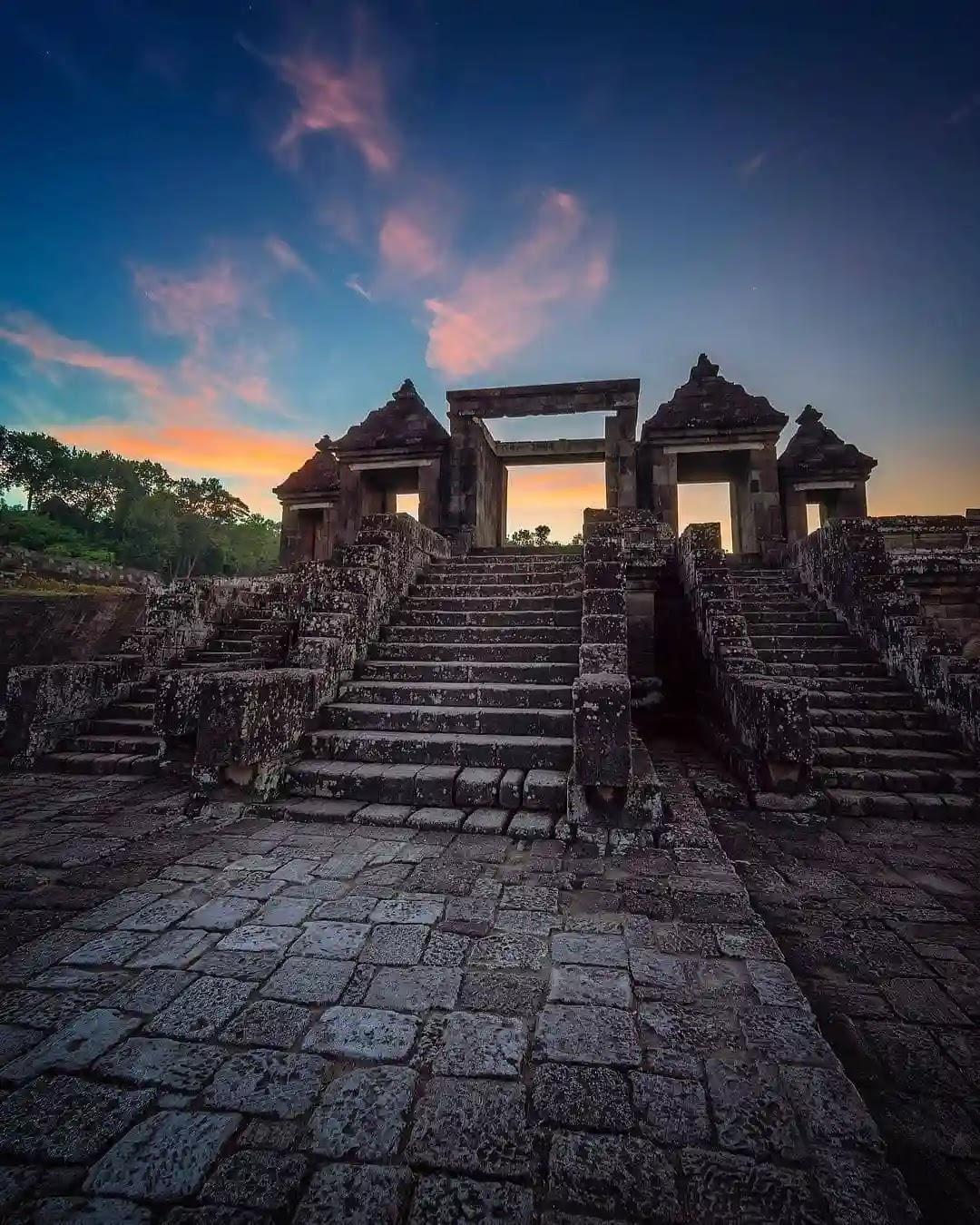 Senja di situs Ratu Boko Yogyakarta - Foto Instagram @saragih_erick
