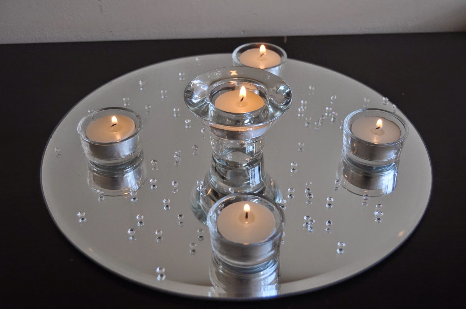 Mirror Scatters Tealights