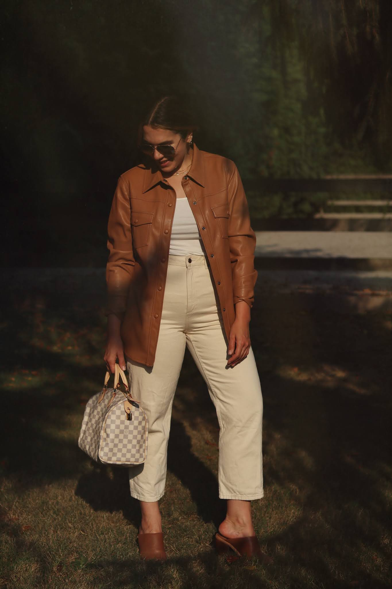 le chateau faux leather shacket outfit camel tones neutral fall outfit louis vuitton speedy 30 damier azur