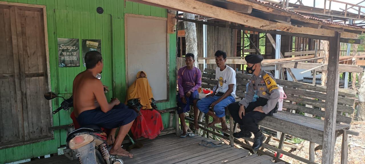 Patroli Dialogis Dengan Warga, Polsek Kapuas Murung Berikan imbauan Pilkada Damai