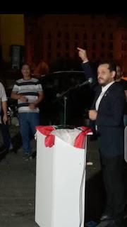 | ثوار ساحة الشهداء يحتضنون السفير الثائر ابراهيم مجذوب محبة وثورة وثقة في الجلسة الحوارية لثوار ساحات لبنان