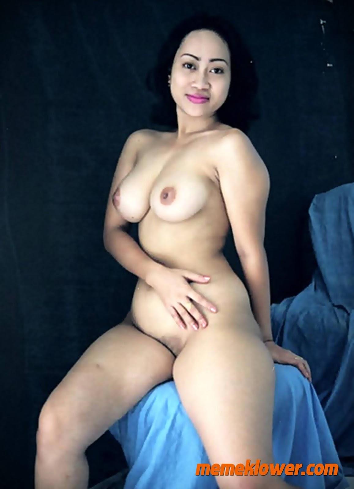 foto-bugil-tante-cantik-bohay-telanjang