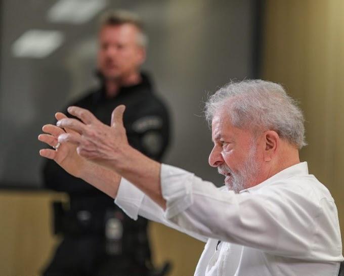 """""""Deu certo"""", disse agente da PF ao anunciar a Lula sua liberdade"""