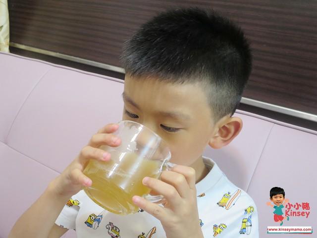 清熱生津 蘆根薏米淡竹葉雪梨水